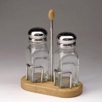 Набор для специй (соль, перец) на деревянной подставке